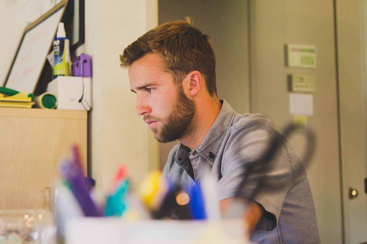 4 sposoby na dopasowanie wielkich pomysłów projektowych do małego biura domowego